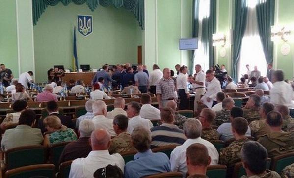 Руководитель Херсонского облсовета объявил, что его нелегально отправили вотставку